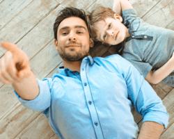 Otecko s malým synom